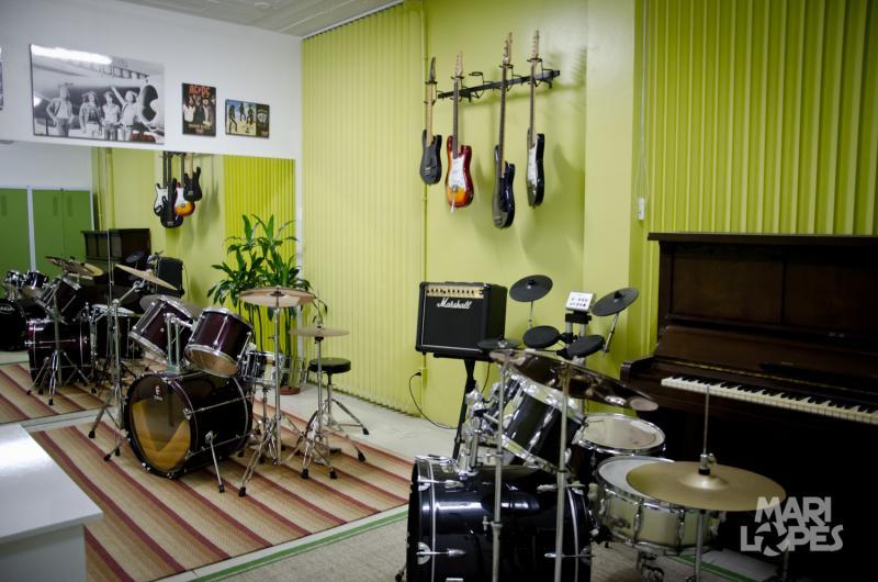 A escola conta com ambientes amplos e com toda a estrutura para o ensino da música!