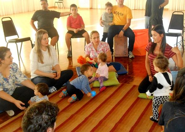 Professora Genaína começando a atividade