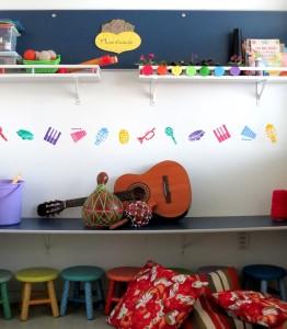 Música, crianças e muita cor...isso combina!